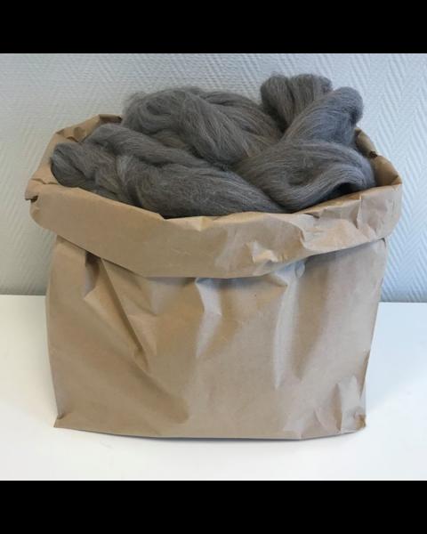 Zak met 3 kilo Lontwol Antraciet/Bruin gemeleerd (woondeken/plaid)
